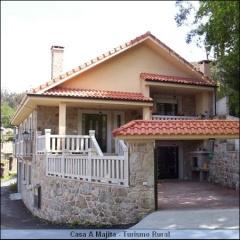 Casa a Majita